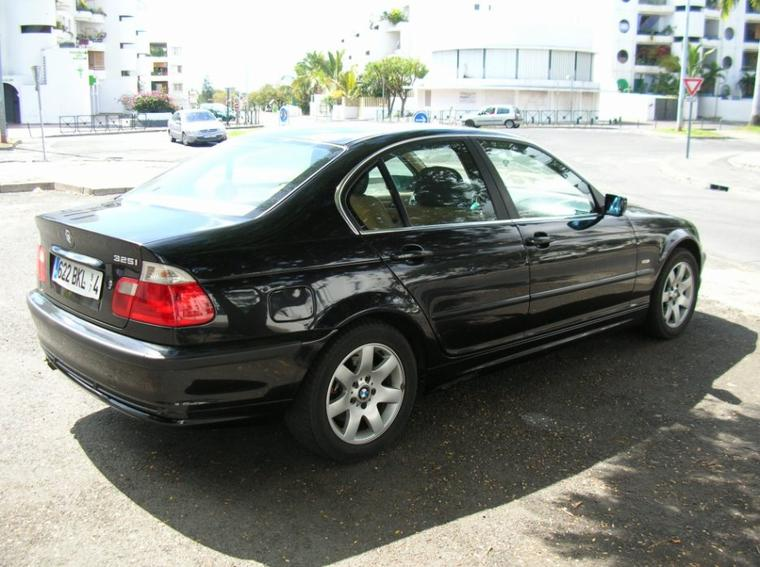 << BMW 325i >>