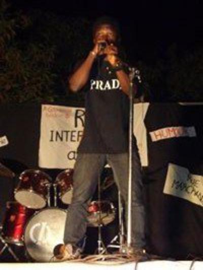 Sur la scène du Radar Inter ActII au FILA:Festival International des Lettres et des Arts