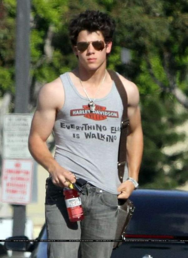 Nick Jonas 2