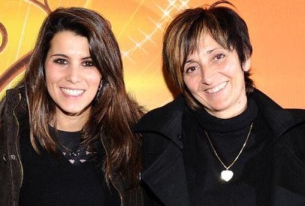 Ta maman et ta fiancée.