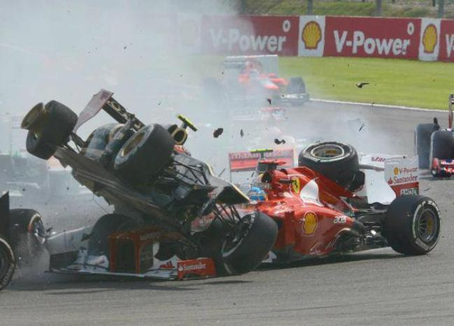 Accident premier virage - Spa 2012.