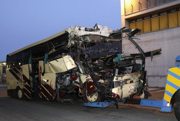 LA BELGIQUE EN DEUIL APRES UN TERRIBLE ACCIDENT DE BUS !