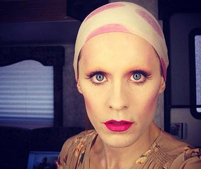 De nouvelles photos du tournage de Jared (franchement je le trouve trop mignon sur la dernière photo, pas vous?)