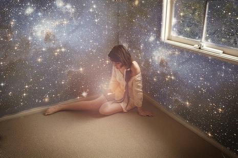 La création humaine est peut-être imparfaite, mais rien n'est plus parfait dans l'univers que deux êtres qui s'aiment.