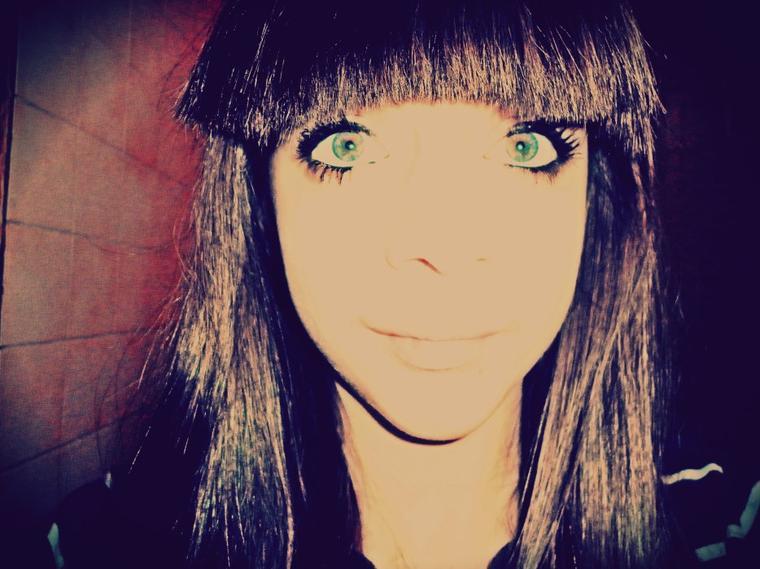 mes yeux bvert , et ma frange