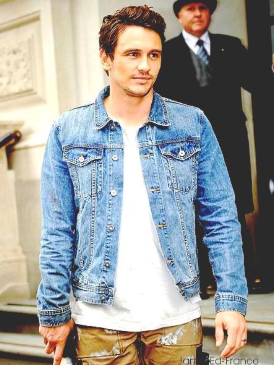 -    Actualité  21 Juin 2013 : James Franco aperçut lors du tournage de Good People à Londre   Je le trouve très bien vêtue  même si on ne voit pas l'intégralité. -