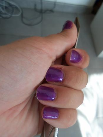 ongles violets