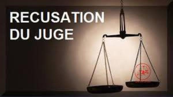 En principe, la récusation est dirigée par l'une des parties à l'instance contre le juge