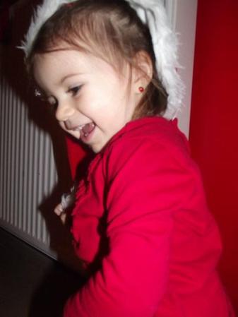 Une petite fille sans défense qui a su naitre avec élégance.