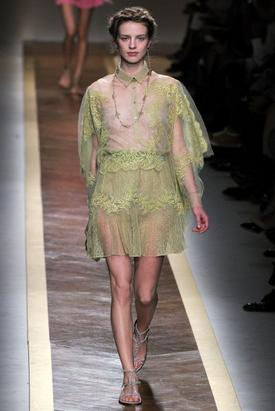 HALT ON DESIGNER_S/S 2012-Valentino