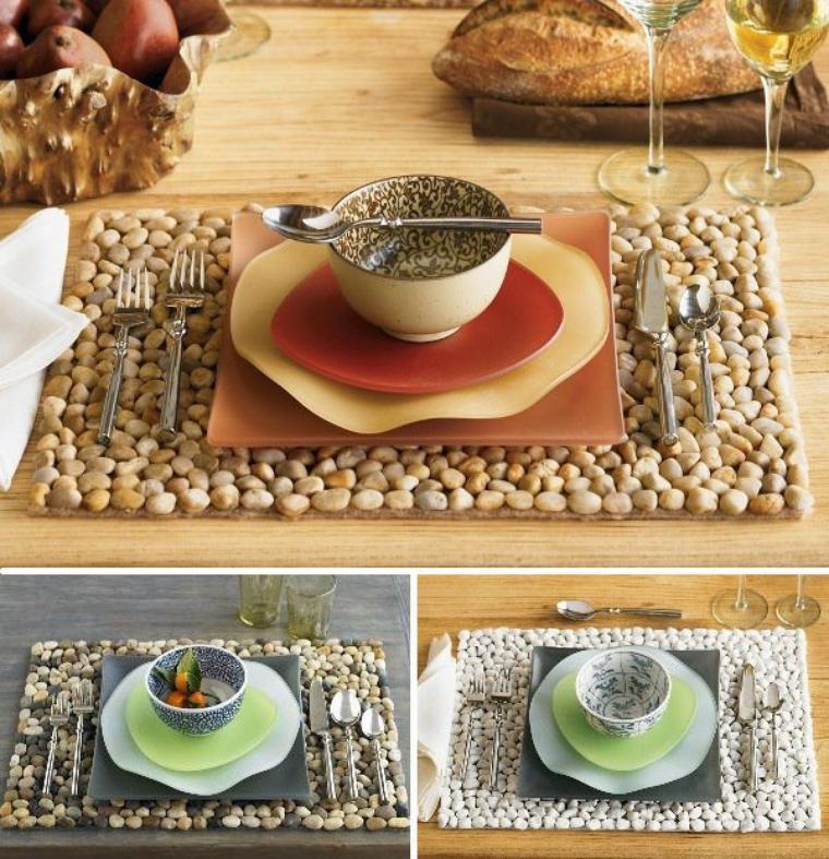 sets  de table avec des petits cailloux