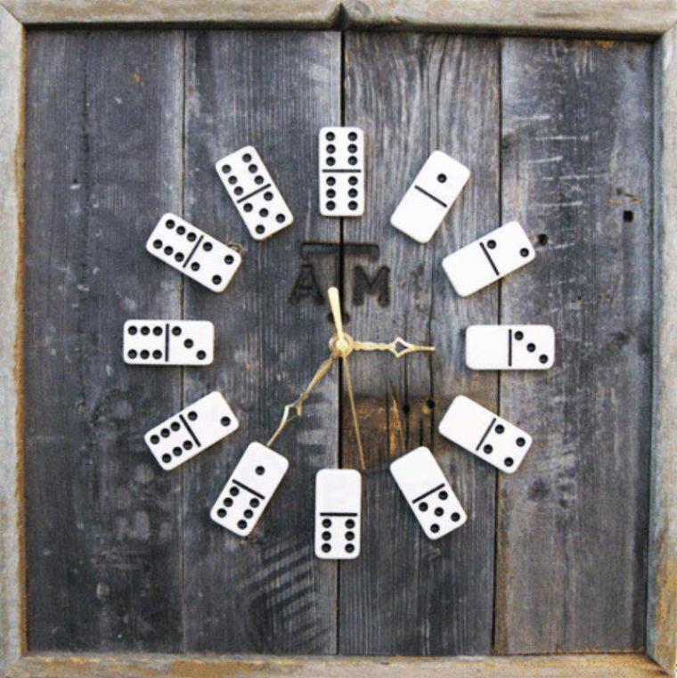 horloge dominos