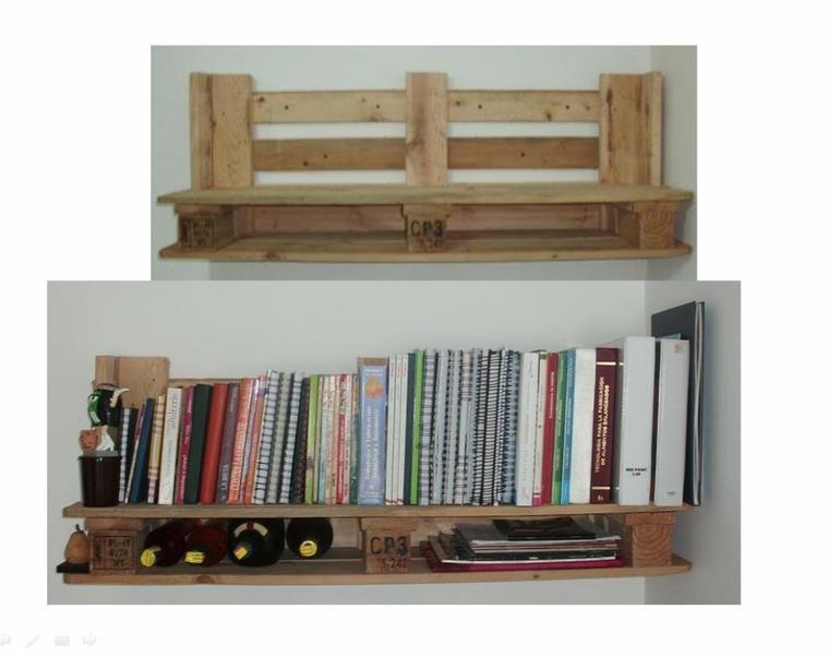 etagere de livres avec des palettes