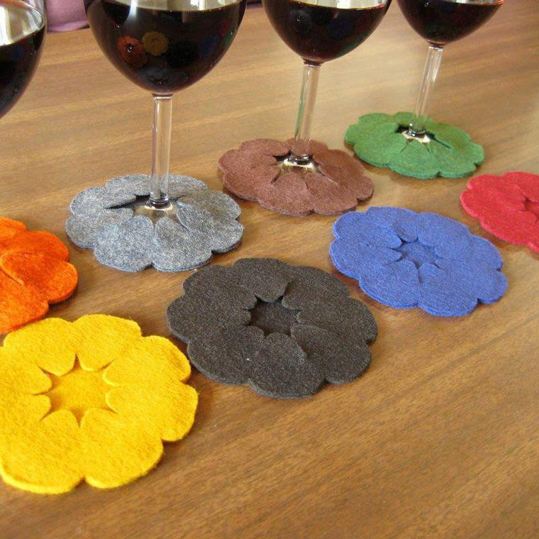 cache en forme de fleurs muticolore en feutrine pour fond de verres