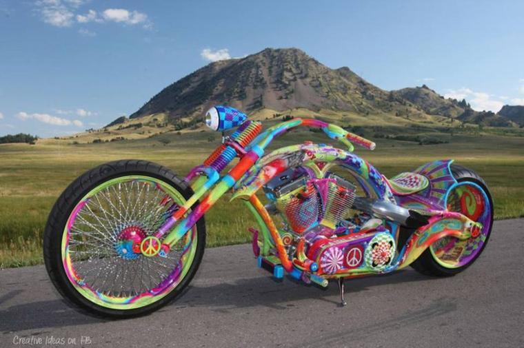 moto multicolore