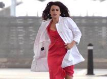 Penelope Cruz : elle se donne à fond pour Ridley Scott... Et montre sa petite culotte !