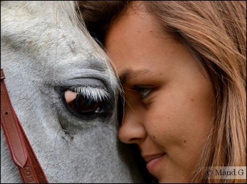 C'est parfois dans un regard, ou dans un sourire que se cachent les mots qu'on a jamais su dire... ♥