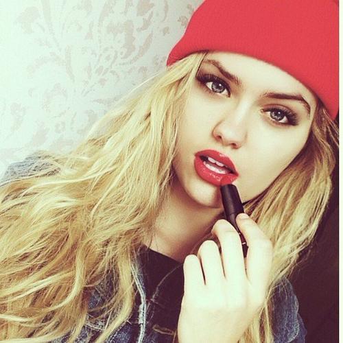 Skylee Lewis - mécanicienne - Dancehall