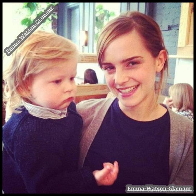 25.05.13-> Coucou , une photo d'Emma est apparue + une vidéo pour refaire la coiffure d'Emma au Grand Journal ! <3