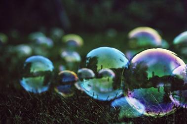 Hundred bubbles