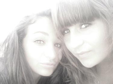 - On dit que le temps est dévastateur.. Mais je trouve que notre amitié est toujours à la hauteur. ! ♥