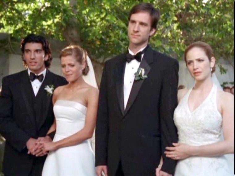 Trois filles, trois mariages, un tour du monde !/ Wedding Daze 2004 -Hallemark