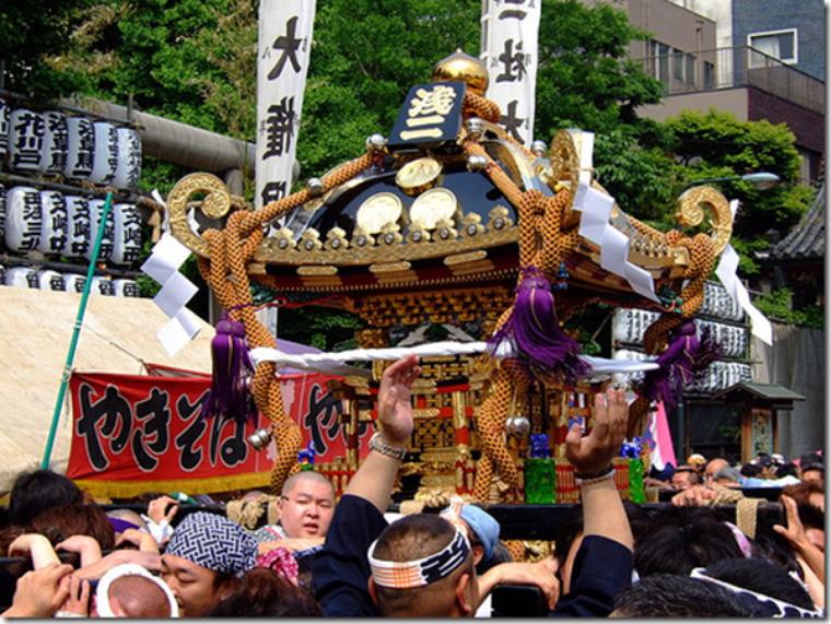 Le Festival Sanja Matsuri