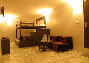 Budget Hotel in Jaipur - Golden Hotel Jaipur