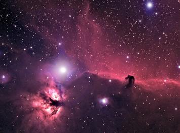 J'ai dans la tête une nébuleuse, et en son sein, mon coeur appelle une étoile.