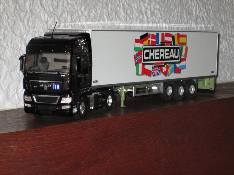 MAN TGX 18.680 V8 semi frigo CHEREAU