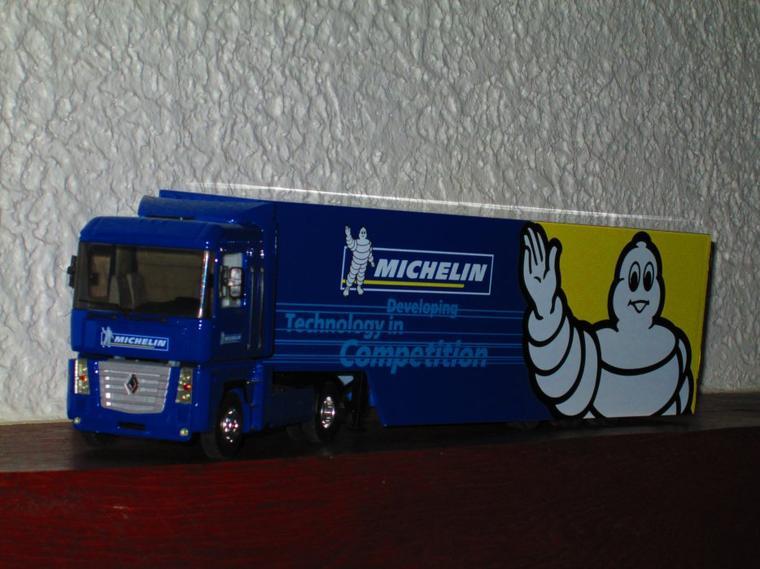 RENAULT MAGNUM  MICHELIN