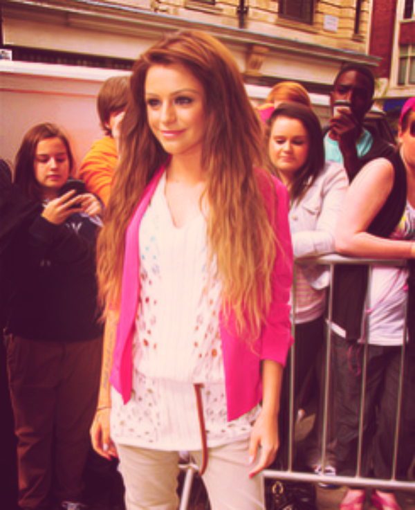 SELLY GOT A SWAG LIKE CHER LLOYD