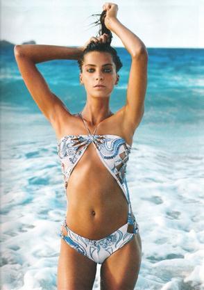 """SES APPARITIONS DANS LE MAGAZINE """"VOGUE""""Editorial - Vogue Paris - « Osmose » - juin/juillet 2011"""