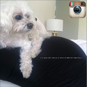 🍴 Eva & Pepe ont été vus quittant The Peninsula Hotel.  31 Mai 2o18. Beverly Hills - Etats-Unis. Tenue: Eva porte des Lunettes Victoria Beckham à 405¤, un Sac Chanel à 1570¤ & des Baskets Adidas à 160¤.