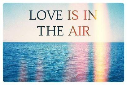 Mais qu'est ce que c'est que l'amour ? Y'a t'il une règle, une manière, une recette ? Ou tout n'est-il que hasard, auquel cas il ne reste plus qu'à esperer avoir de la chance ?