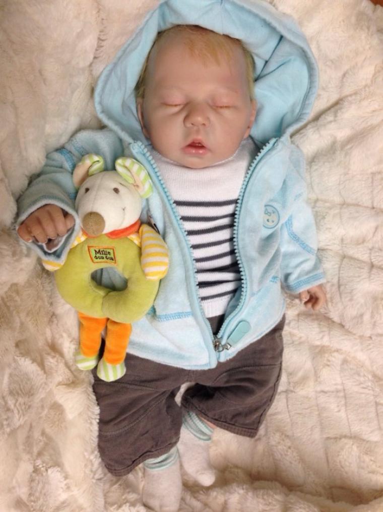Magnifique bébé Lucas , à été adopté , né le 09 octobre 2013