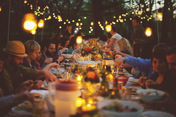 « Un repas de famille c'est sacré, surtout quand on ne sait pas quand aura lieu le prochain ♥ »  - Plus Belle la Vie -