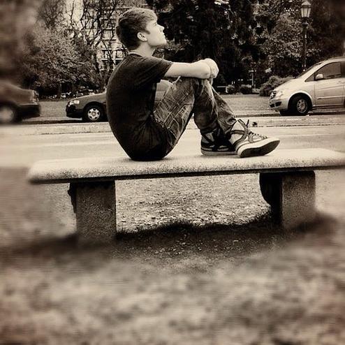 LoveBieberPhotos 578   (Justin rêveur. :p )