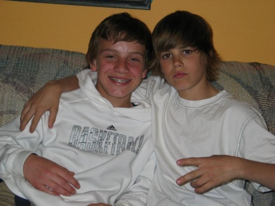 LoveBieberPhotos 643   (Photo qui date de Justin avec Ryan Butler.)