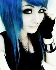 Les cheveux bleu