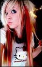 Les cheveux rouge et blond