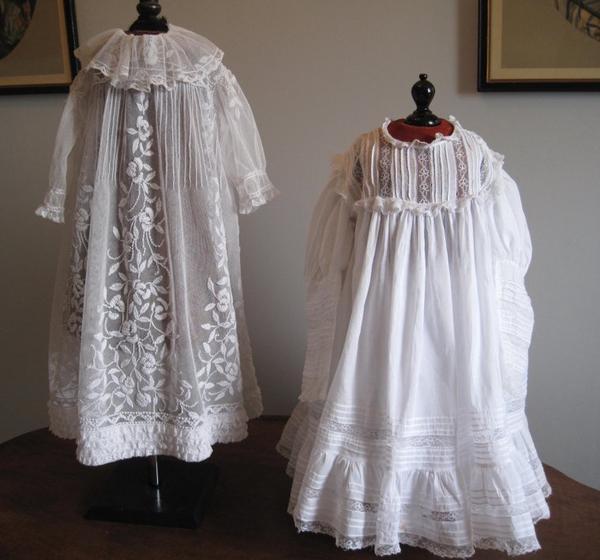 deux robes anciennes trouvées l'année dernière.. bonne semaine à toutes !