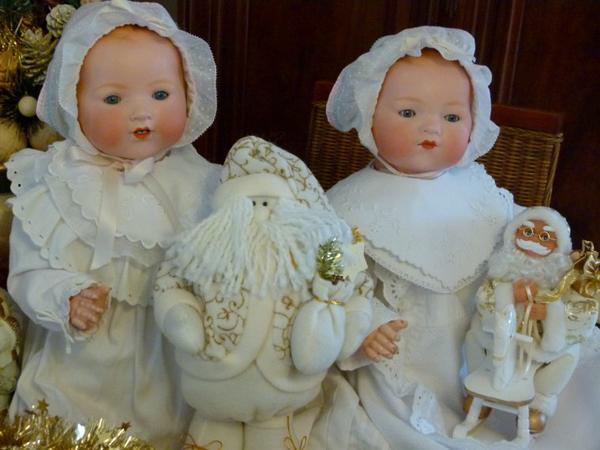l'année dernière ce sont mes deux jumeaux qui vous ont présenté Noël ....a qui le tour ?? en attendant très bonne semaine !!