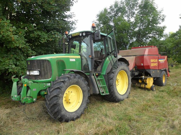 John Deere 6920 avec presse New Holland