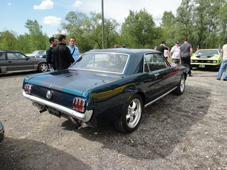 "Rassemblement Ford le 1er Mai 2012 : Mustang Fastback 1970 ""289"""