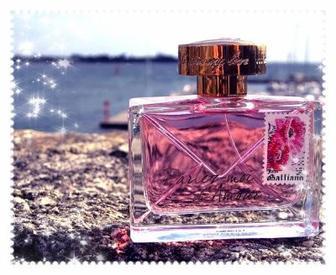 Mon parfum  . . . . . Delicious !!