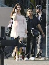 """Selena gomez sur le tournage de son film """"Parental Guidance Suggested"""""""