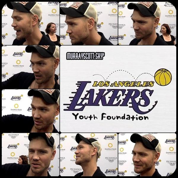 "Chad arrive au ""Lakers Casino Night 2013"""