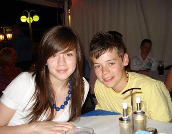 28/12/12 : Harry Styles s'inspire de sa grande soeur pour écrire des morceaux ?