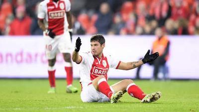 Vinicius Araujo quitte le Standard